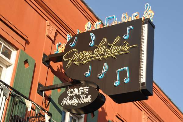 enseigne du Jerry Lee Lewis Cafe