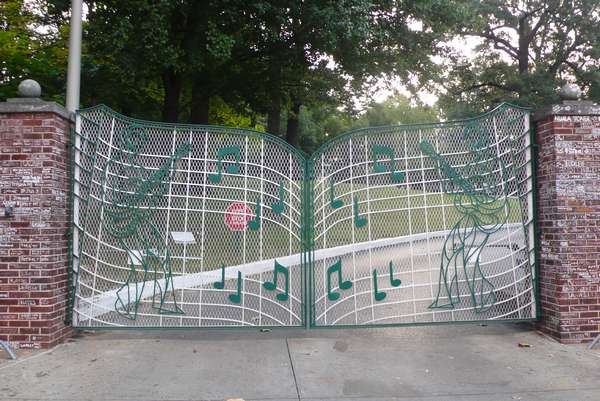 grille de graceland - photo de Jocelyn Richez