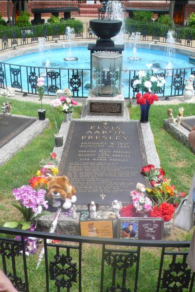 tombe d'Elvis Presley - photo de Jocelyn Richez